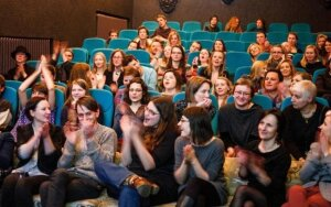 Skalvija kvieia kino ekrane stebti Sidabrins gervs apdovanojimus